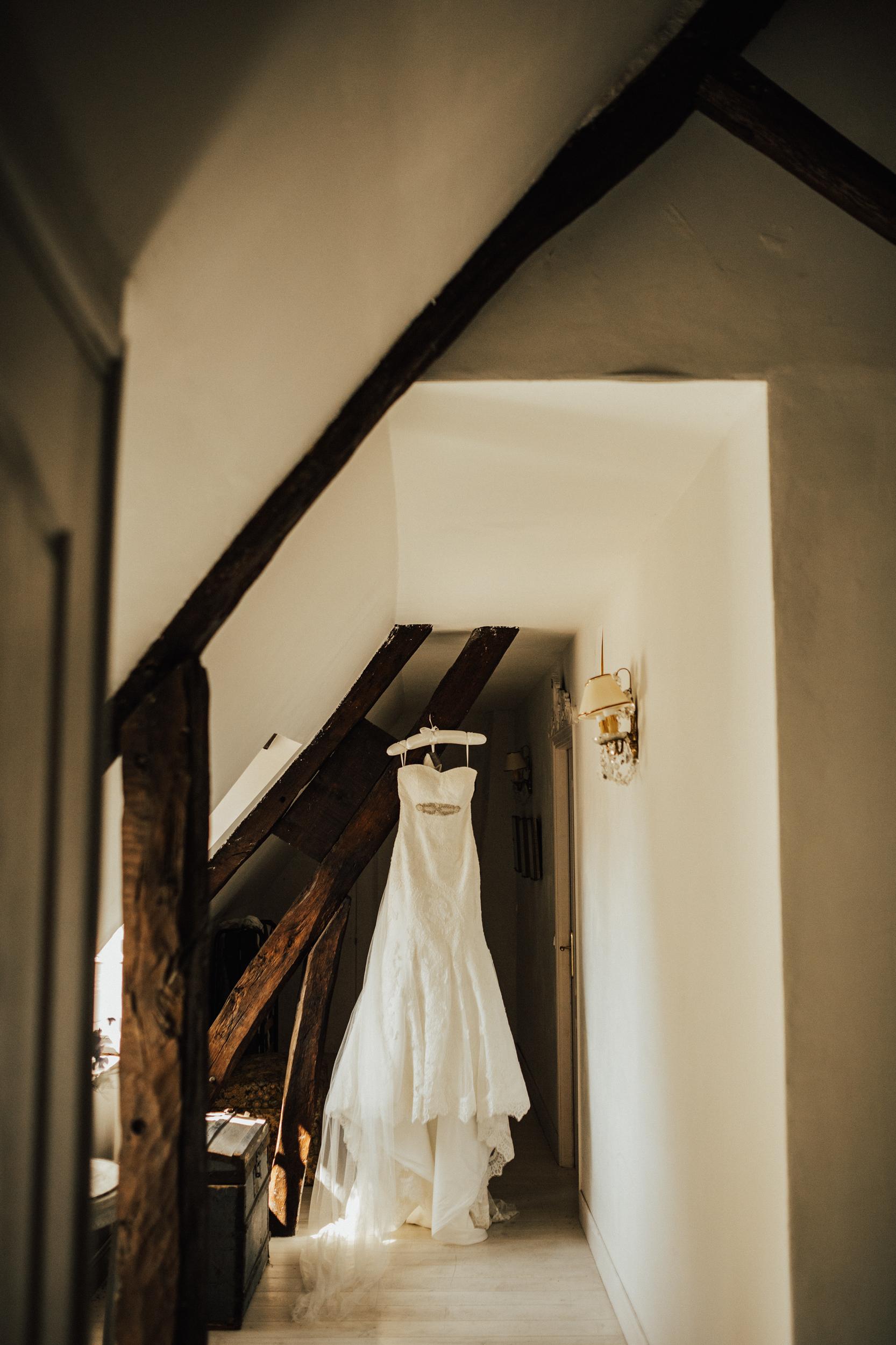 Amy-Zac-Destination-Wedding-France-Manoir-Foulquetiere-Darina-Stoda-Photography-18.jpg