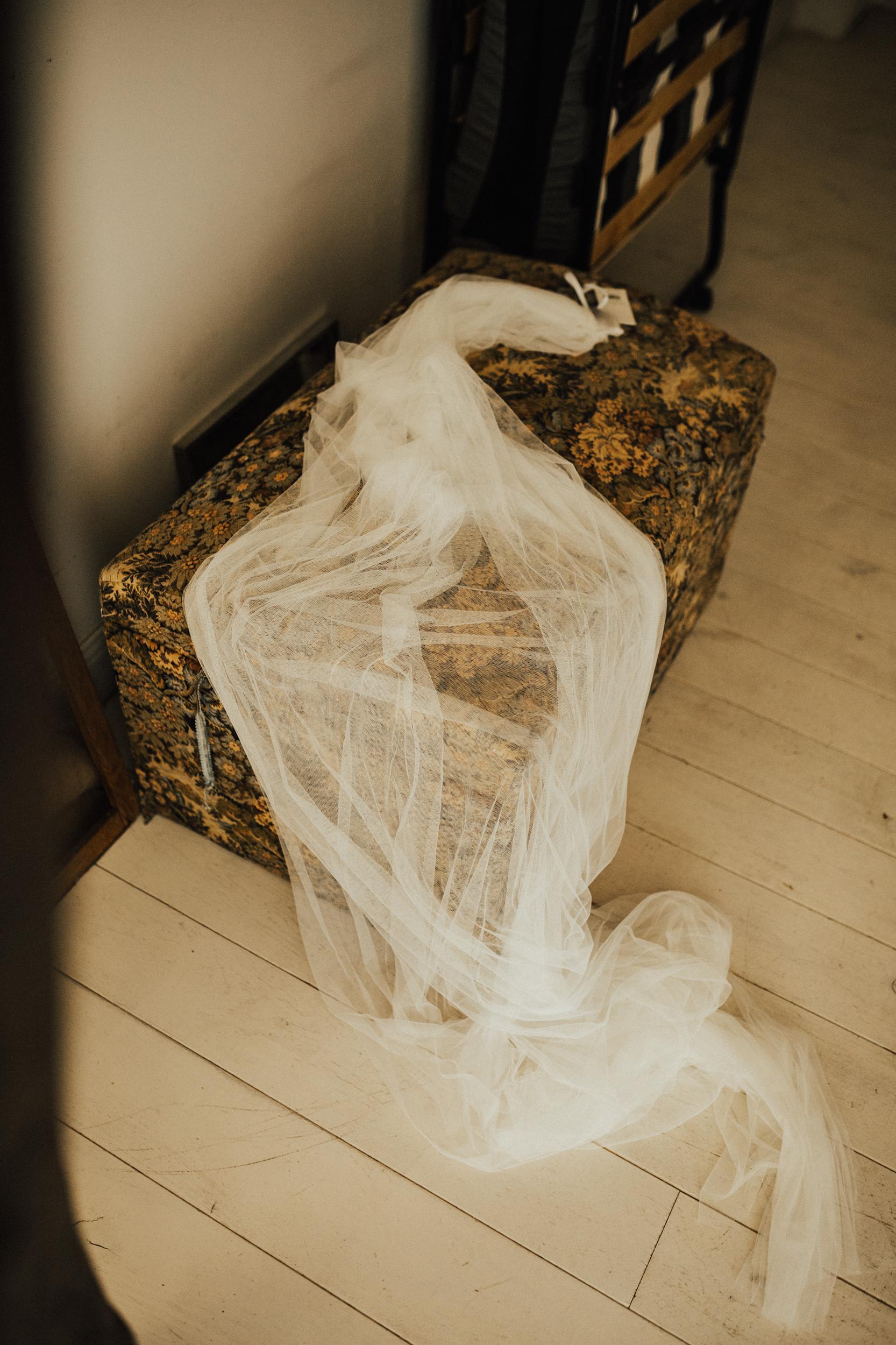 Amy-Zac-Destination-Wedding-France-Manoir-Foulquetiere-Darina-Stoda-Photography-19.jpg
