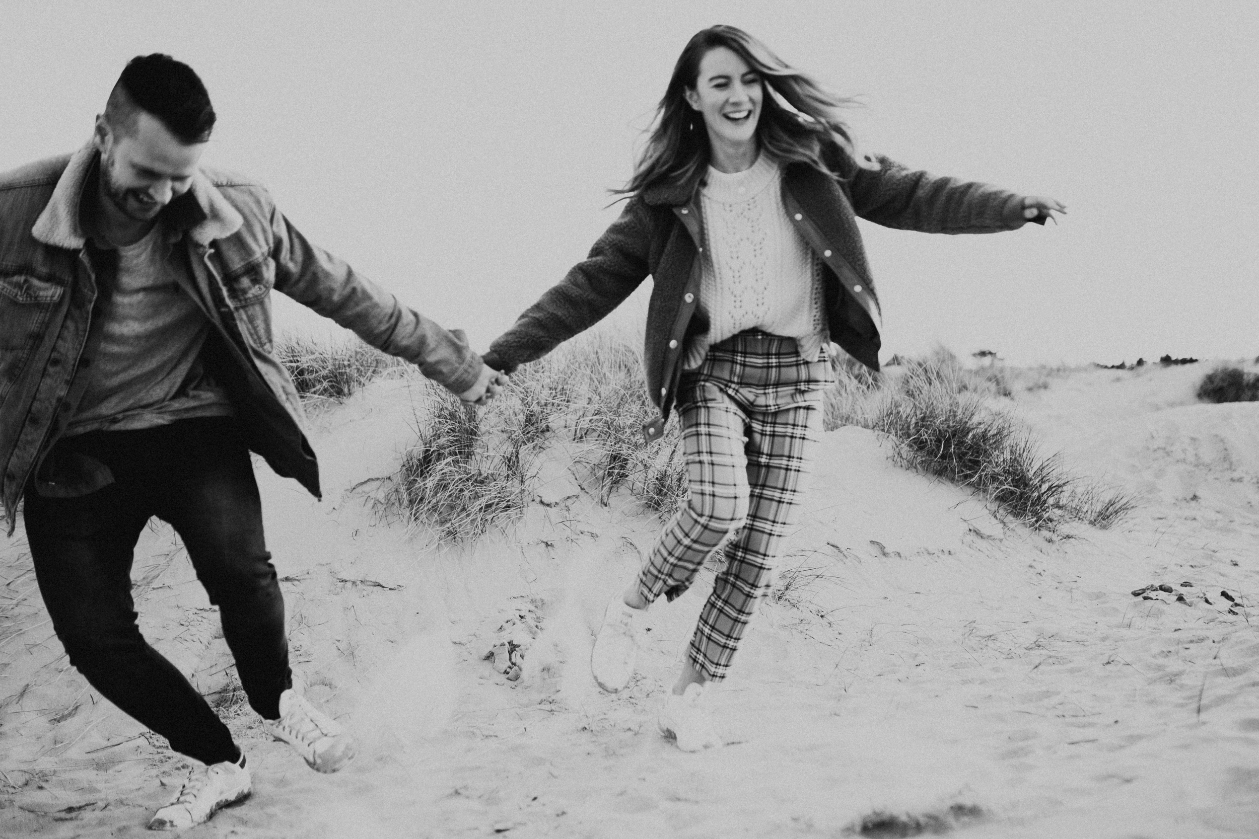 Claire-Liam-Beach-Coastal-Engagement-Session-Norfolk-Darina-Stoda-Photography-3.jpg
