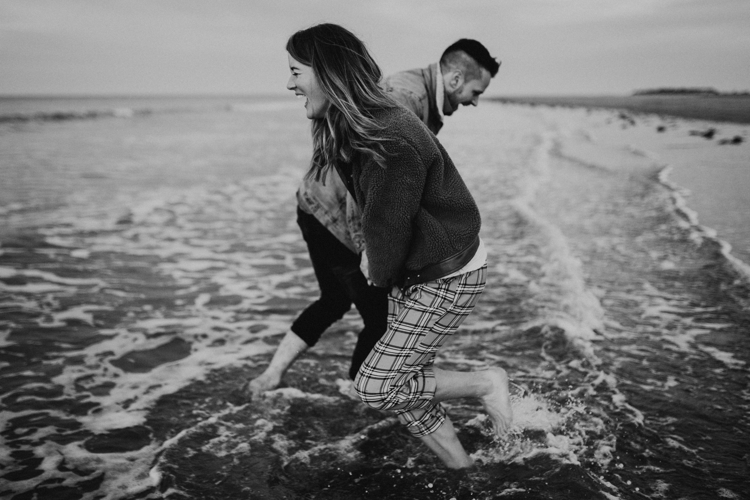Claire-Liam-Beach-Coastal-Engagement-Session-Norfolk-Darina-Stoda-Photography-26.jpg