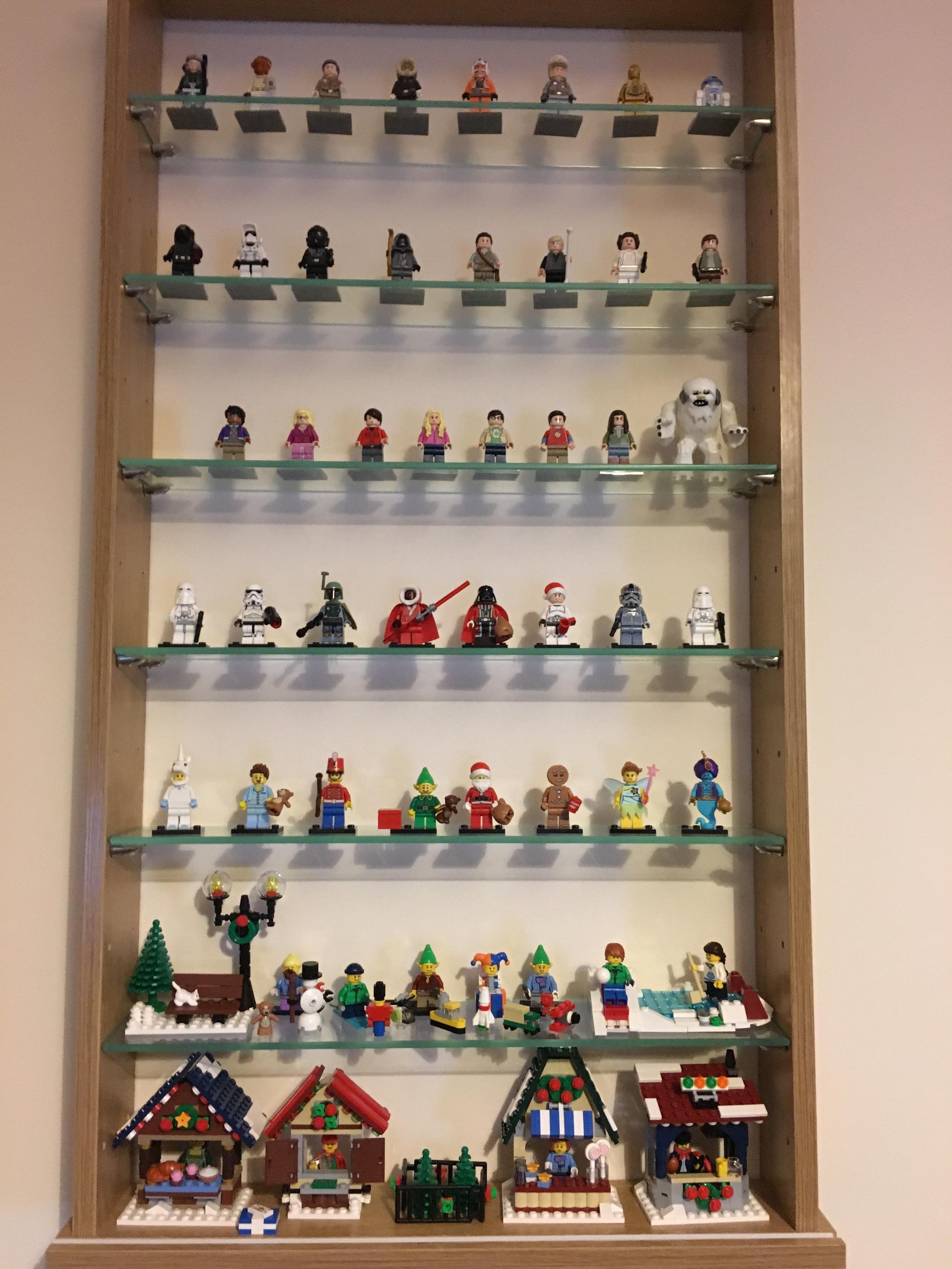 Our Christmas Lego Minifigure Display