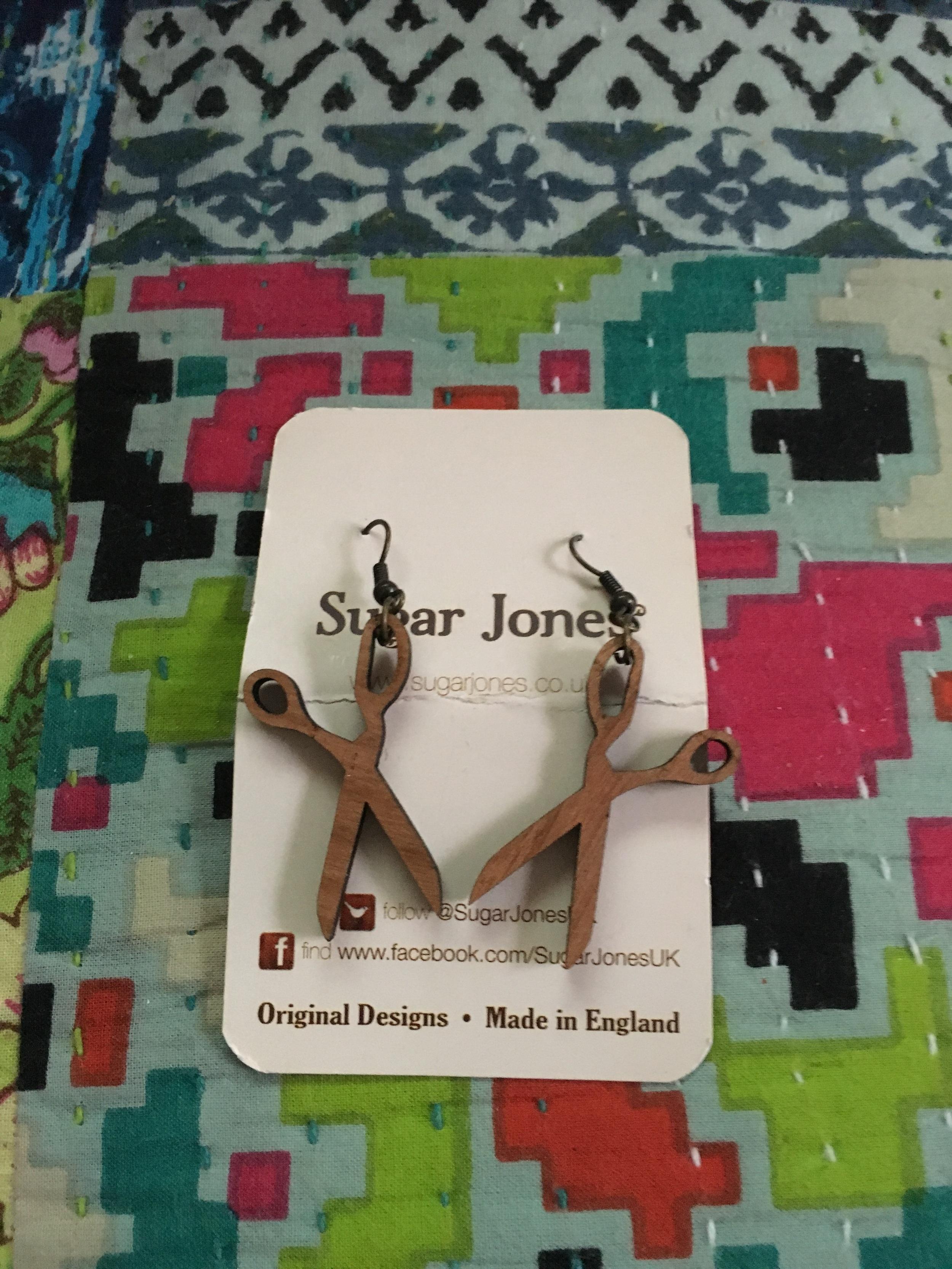 Day 18 & Scissors earrings from Sugar Jones