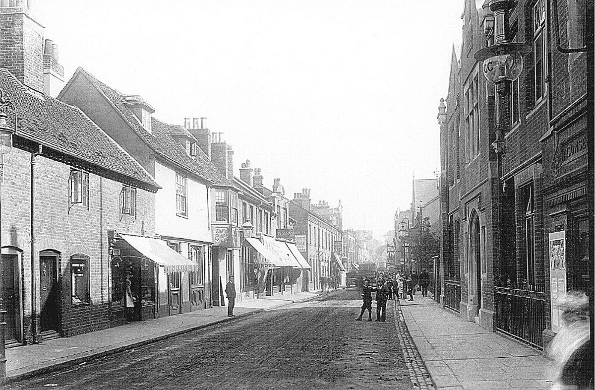 Spital Street in Dartford in 1902