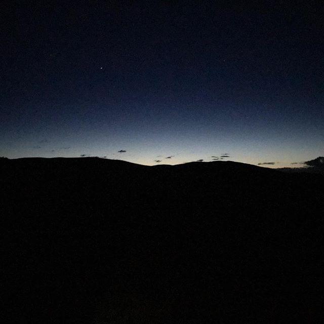 2am No filter / no light pollution just the Wild :  #enjoythemoment #trekking #scotlandsbeauty #escapewild #escapelondon #escapeoffice #expedition #scotlandadventures @turnwild @outdoorfood #expeditiontraining