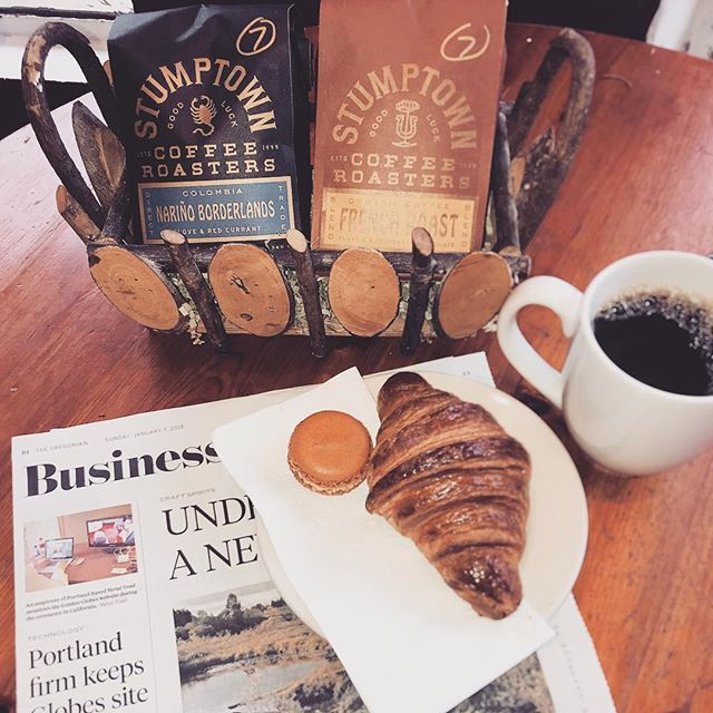 We have switched our medium roast to a new blend of Stumptown coffee, the Nariño Borderlands. With tasting notes of red currant and clove, it is a great accompaniment to our maple-hazelnut macaron! Stop by and grab some afternoon buzz. #carltonbakery  #boulangerie #patisserie #stumptown #coffeelovers #macaron #croissant #afternoonpickmeup #europeanstyle #cupojoe #mediumroast
