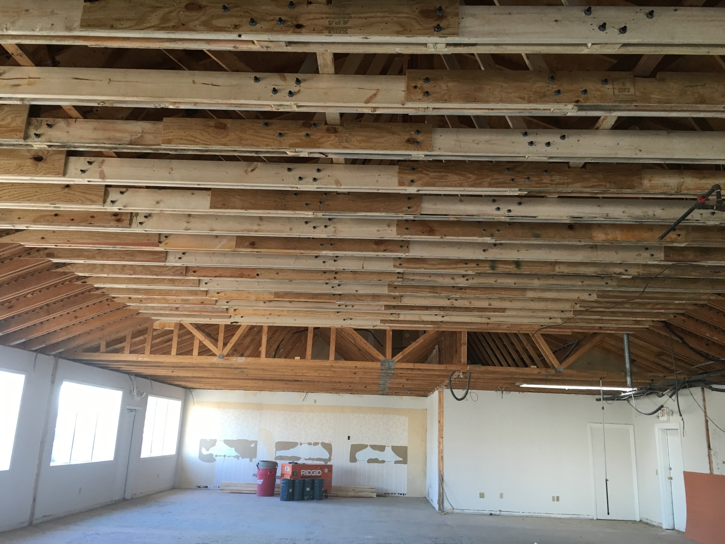 Firehouse Sub Truss Work 2 Feb 2016.JPG