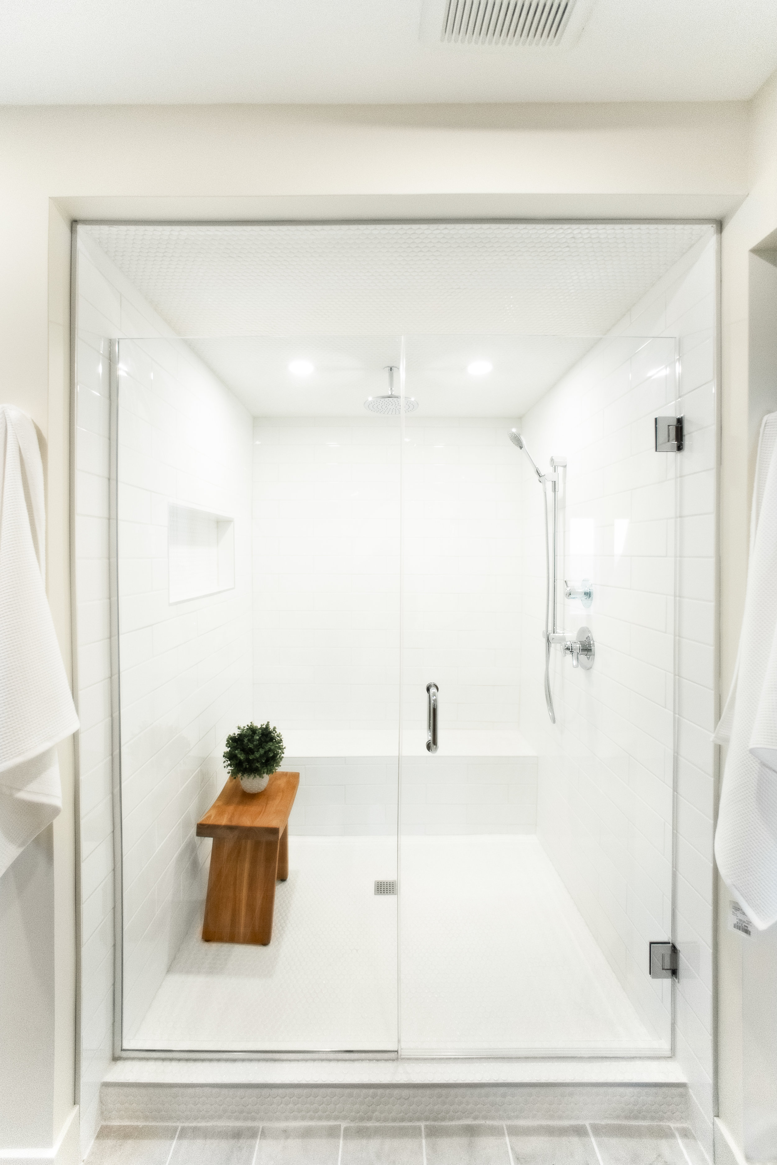 Bathroom 1-5.jpg
