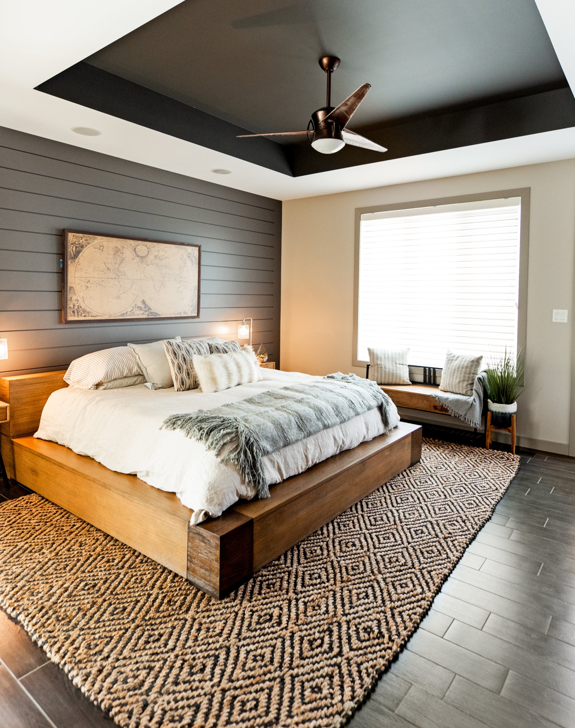 ENchant Bedroom & Living Space - Enchant, AB
