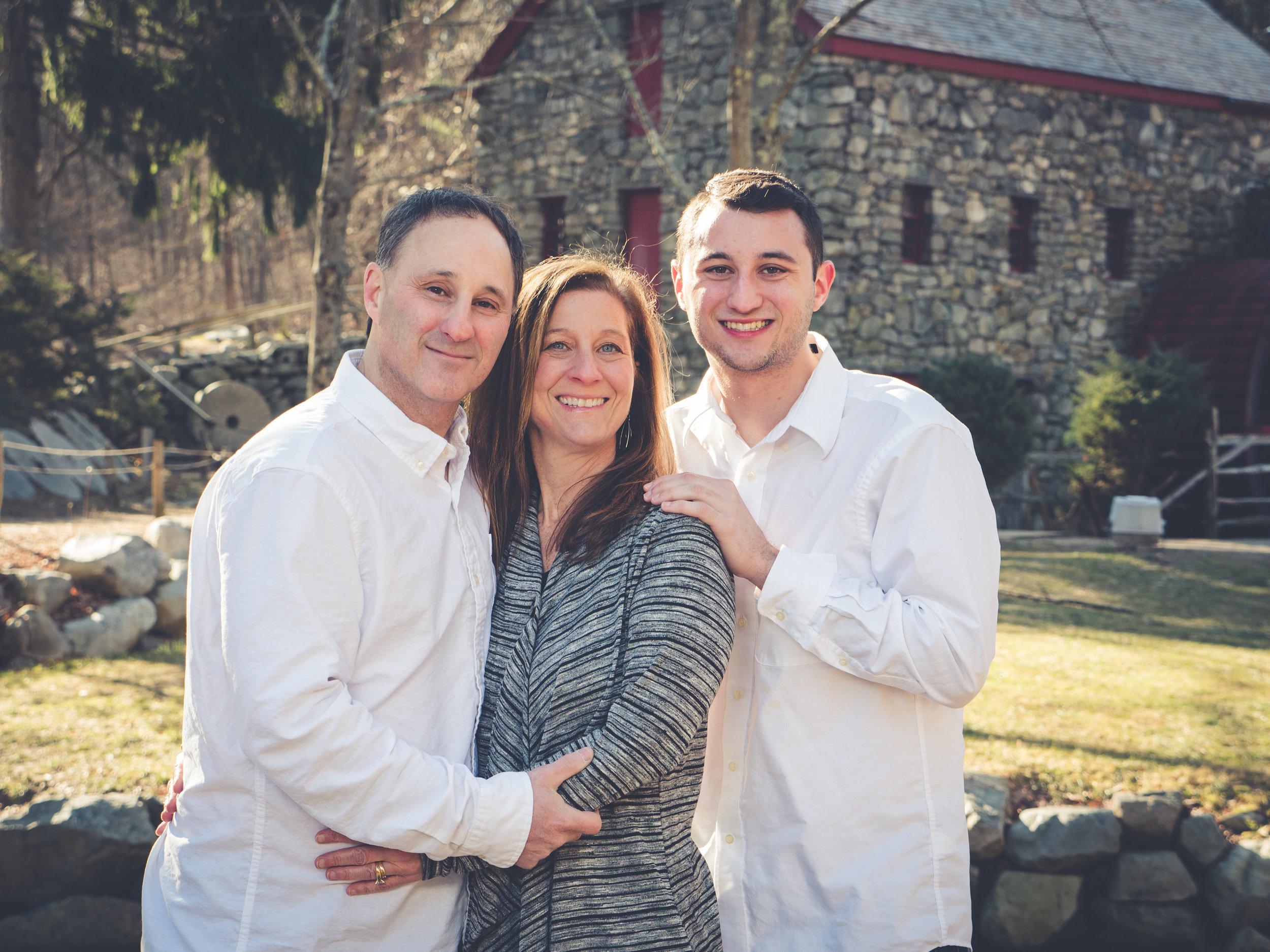Abruzzi Family-6.jpg