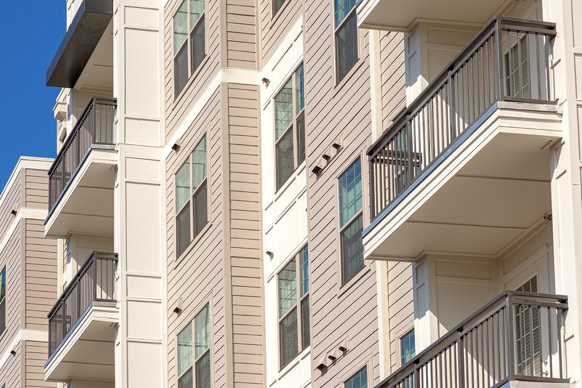 1200x800-apartments-balcony-exterior.jpg