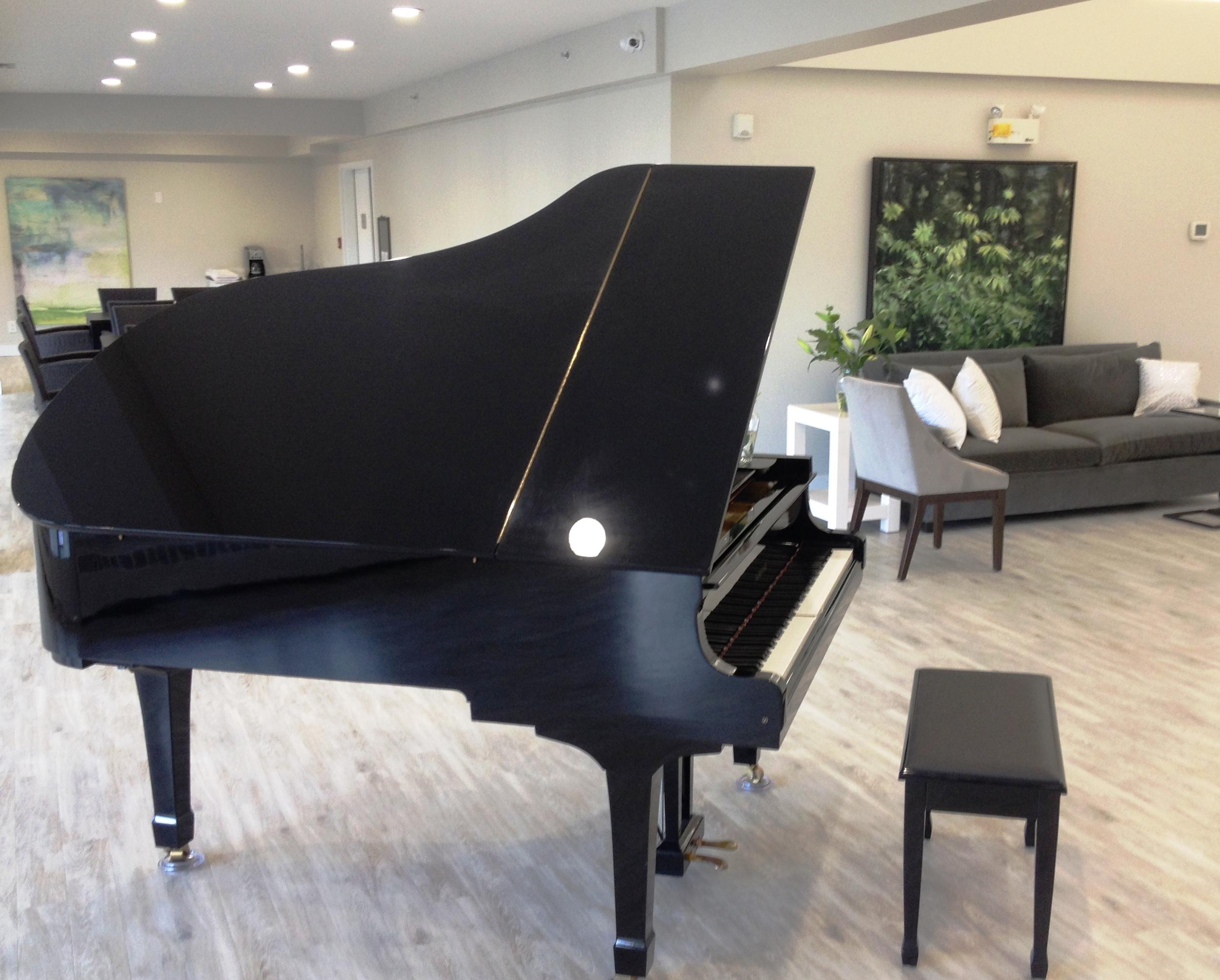 side piano.jpg