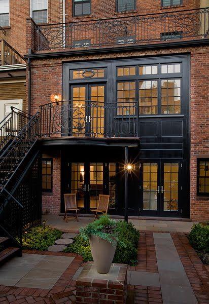 Love those black-paned windows and doors. Source:  Ben Herzog Architects