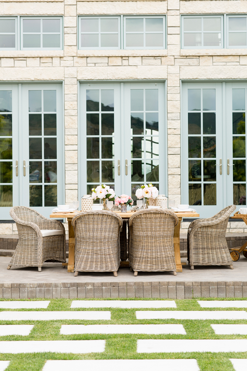 Rachel Parcell outdoor dining