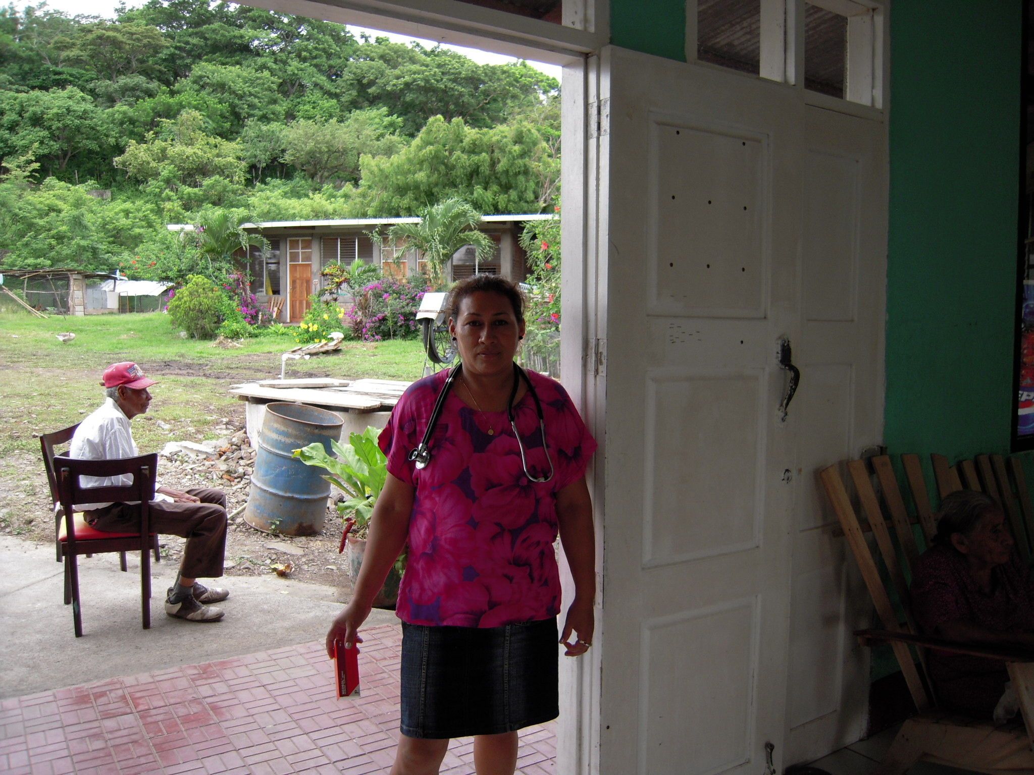 Medical worker in the hogar (home for older adults) in Boaco, Nicaragua.