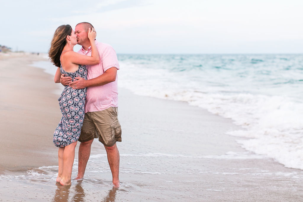 Outer Banks family photos with Amanda Hedgepeth Photography | Outer Banks, Outer Banks family photos, family photos, family portraits, beach family photos, family photos on the beach, OBX
