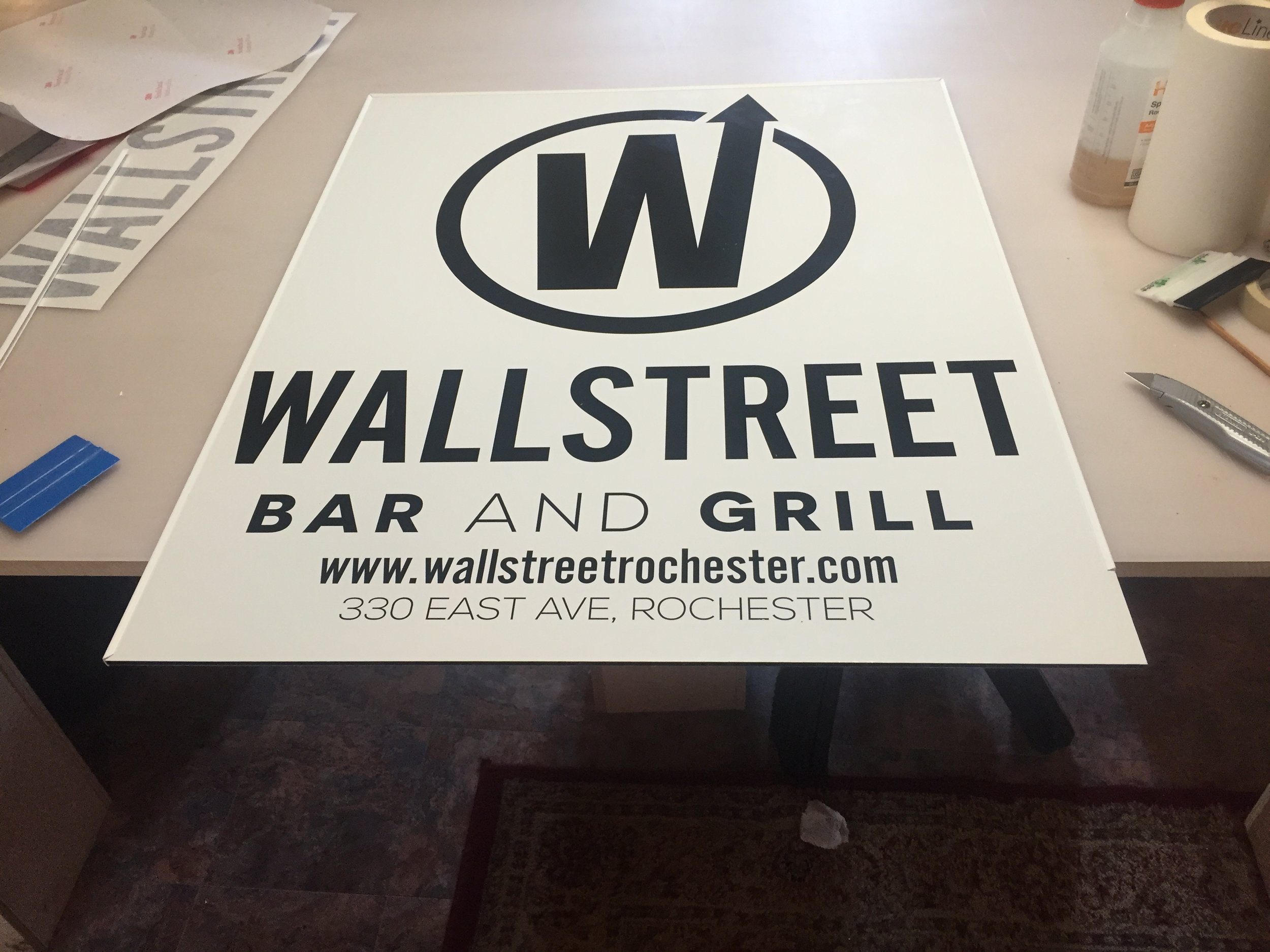 Wallstreet Bar and Grill
