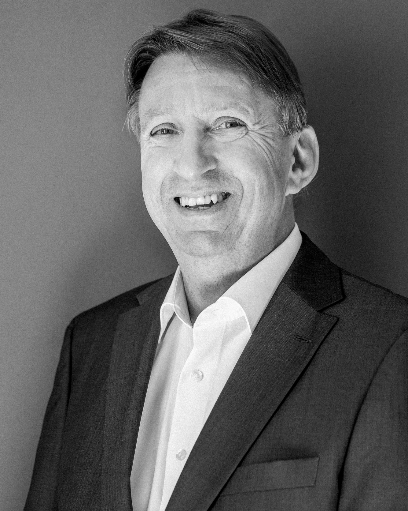 Tony Perkins   Senior Berater  Fokus: Business English