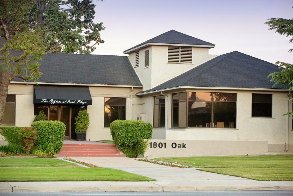 1801 Oak Street.jpg
