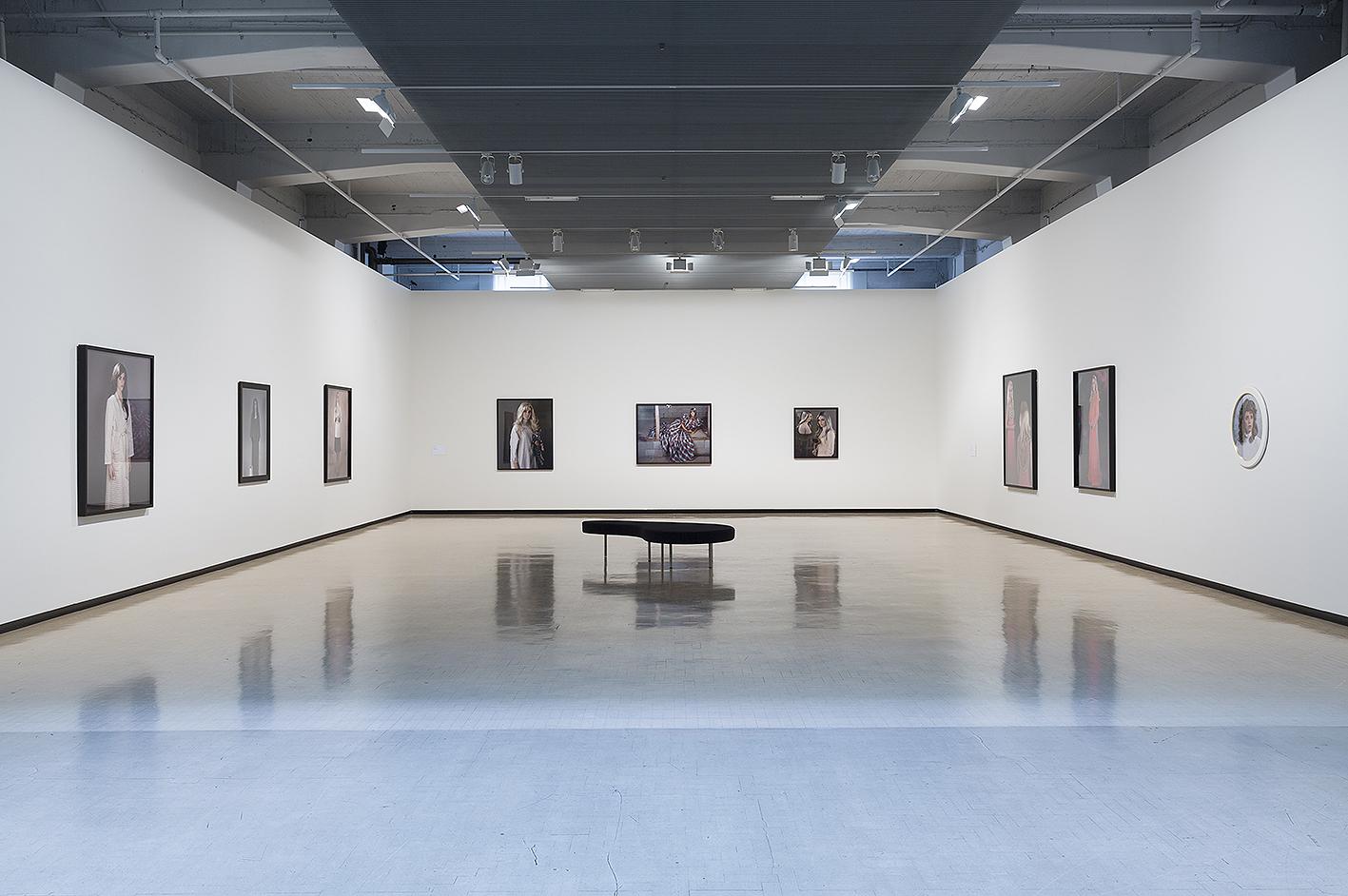City Gallery_Yvonne Todd_Creamy Psychology_documentation_hiRez_018.jpg