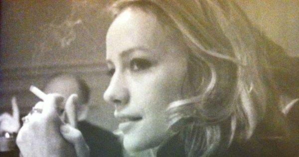 Ella es Lucile, madre de Delphine y protagonista de esta novela autobiográfica