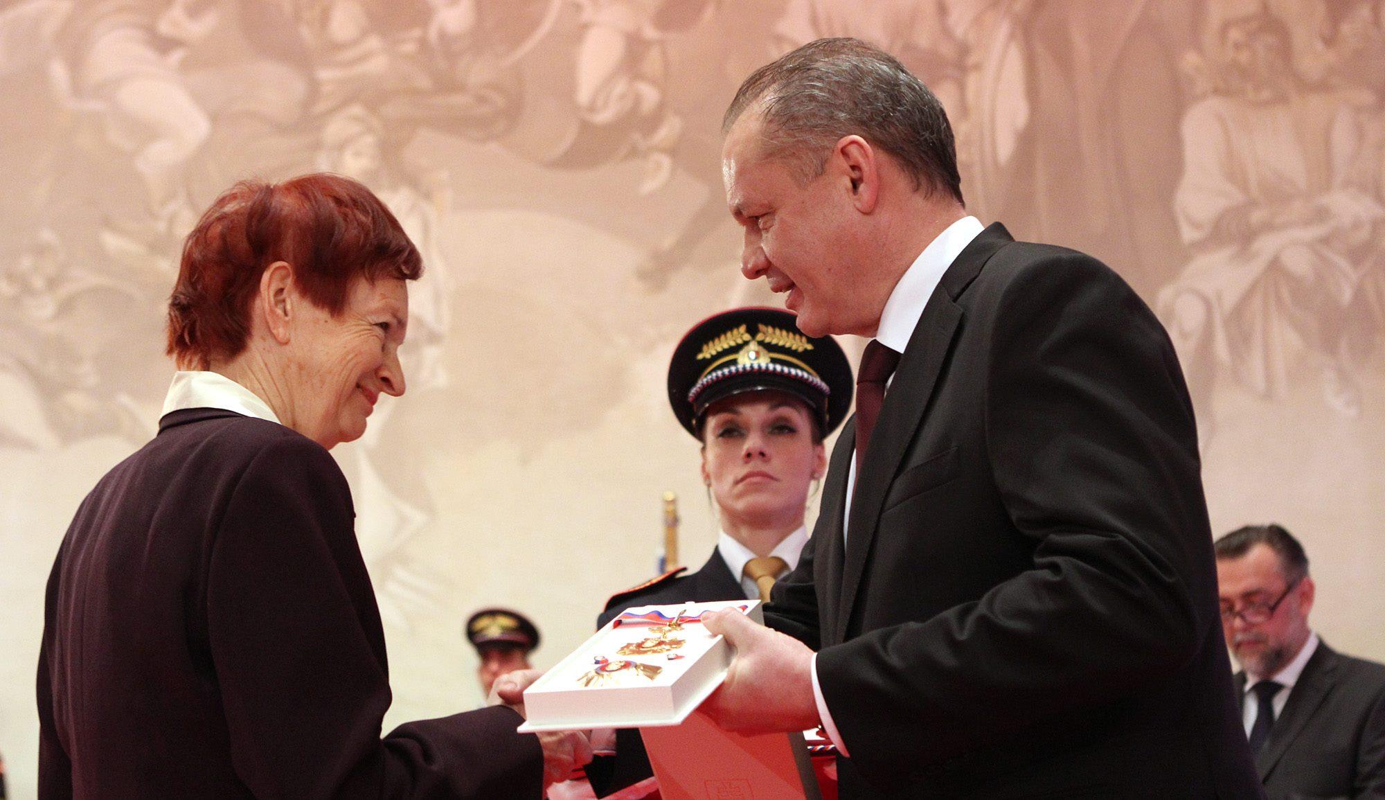 Soňa Szomolányi, Andrej Kiska, 07/01/16, Bratislavský hrad,©prezident.sk