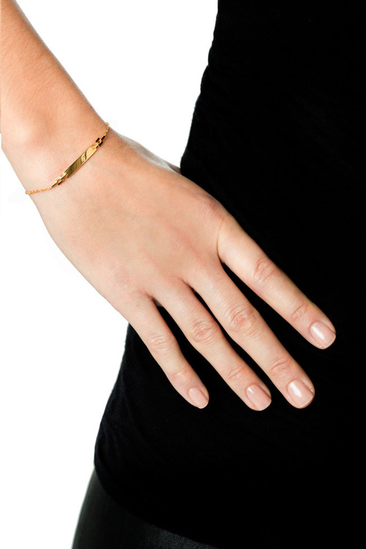 mariablack-celeste-bracelet-hand.jpg