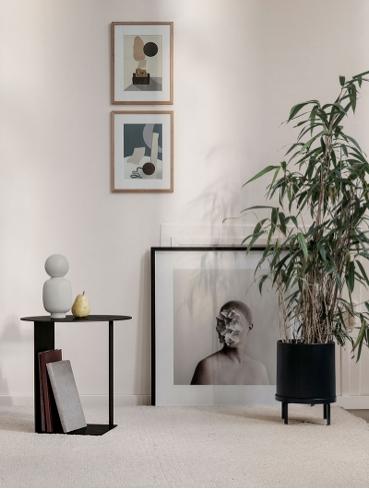 ferm LIVING - ferm LIVING er et danskt firma som designer og produserer interiørprodukter med en grafisk touch. I sortimentet inngår alt fra tekstiler, kjøkkenprodukter til wallstickers. De har og et stort sortiment for barnerommet. Ferm Living ble grunnlagt av Trine Andersen i 2005 fra et grafisk designbyrå i Århus