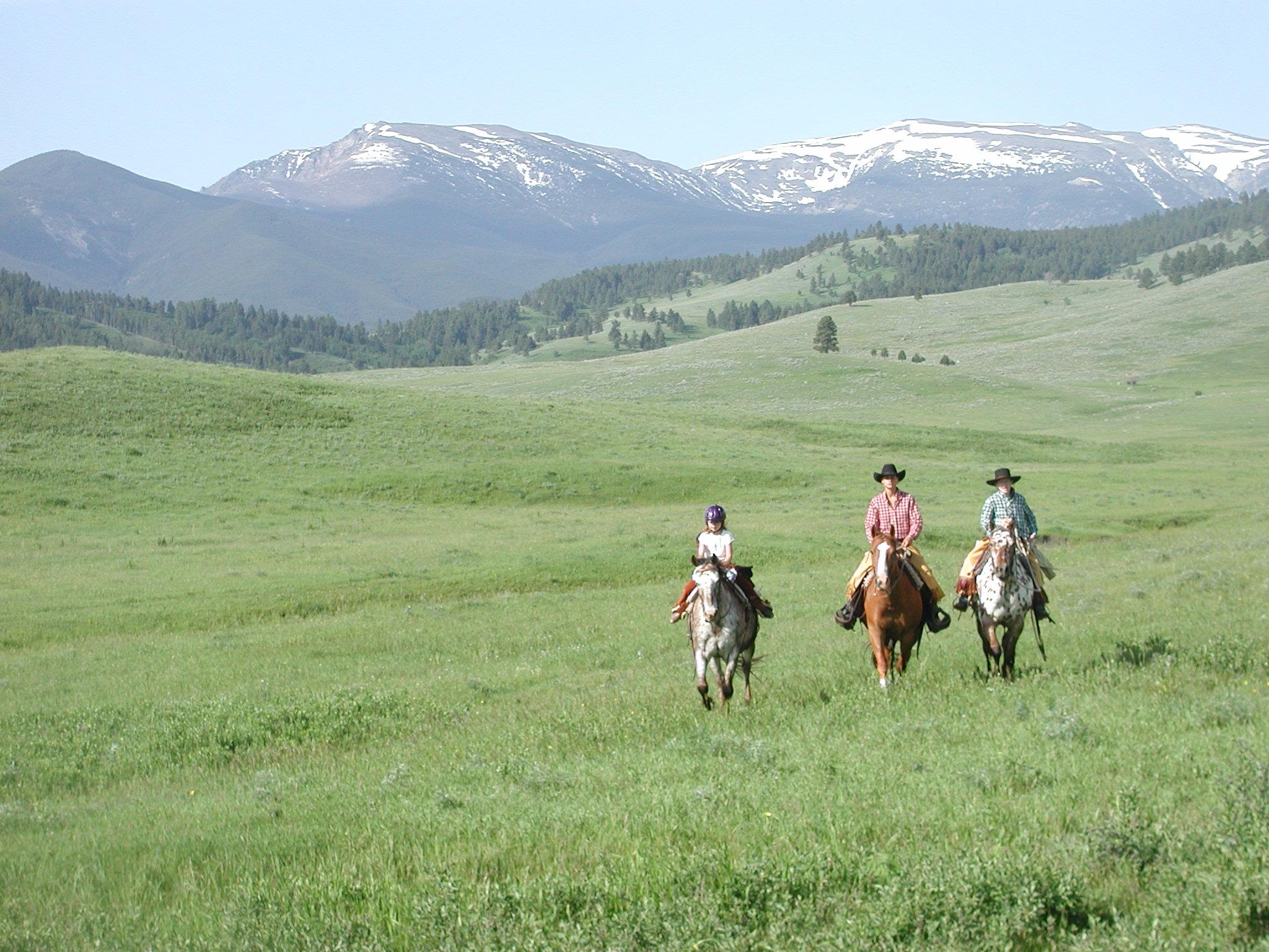 riding scenic 3 riders june 19 2003.jpg