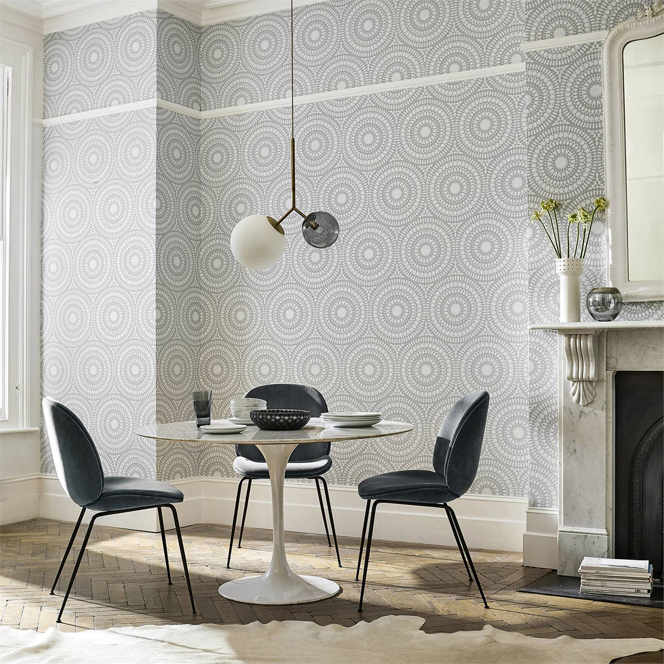 1-wallpaper-grey-white-white-geometric-dining-room-cadencia-paloma-harlequin-style-library.jpg