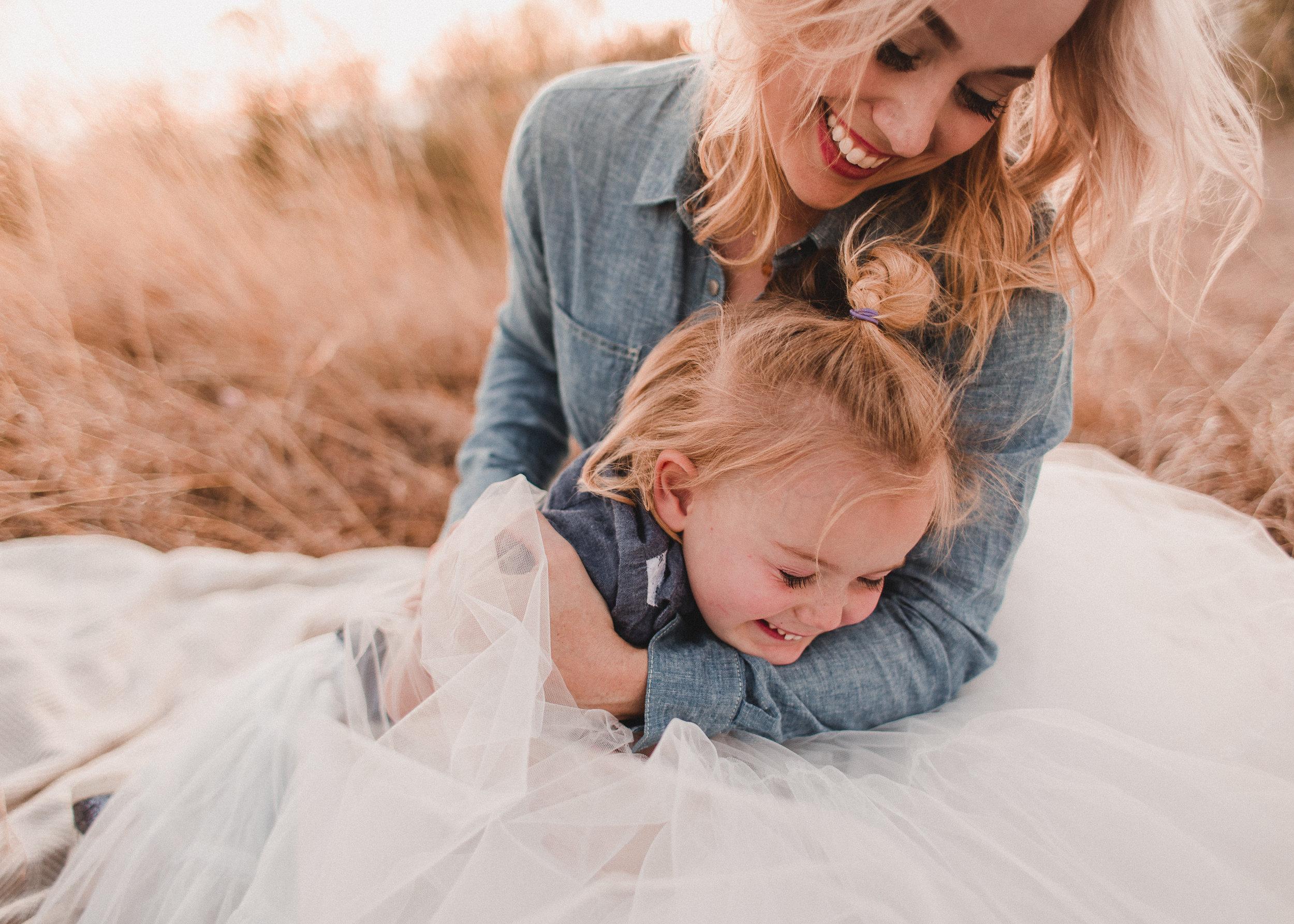 MARY & ELISE / FAMILY