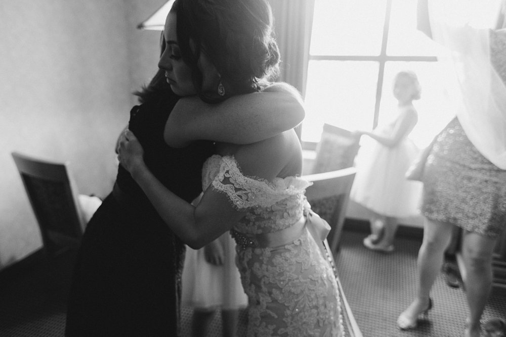 Caitlin & Sam Wedding at the Joslyn Art Museum in Omaha, Nebraska_1263.jpg