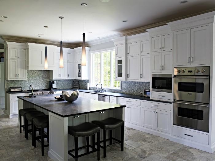Sleek kitchen in Irvington, NY