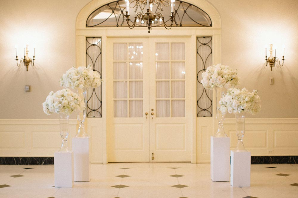 event-planning-companies-in-michigan-wedding-planners-in-detroit-mi-head-table.jpg