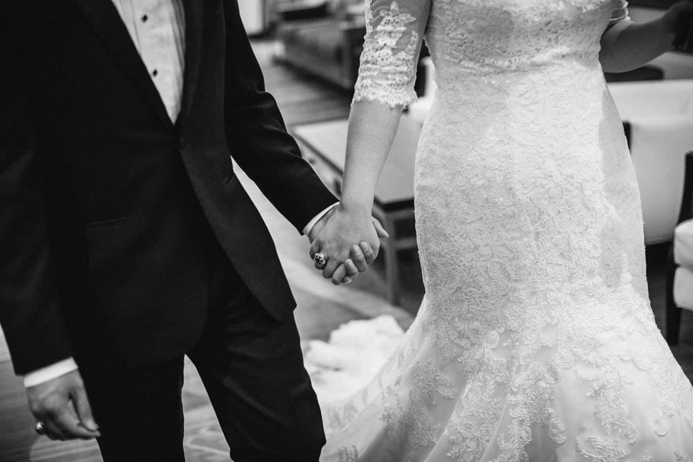 kaitlynn-and-emma-wedding-planners-white-wedding-flowers.jpg