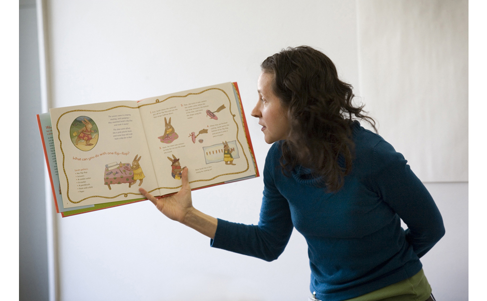 Anna-Alter-reading-HR.jpg