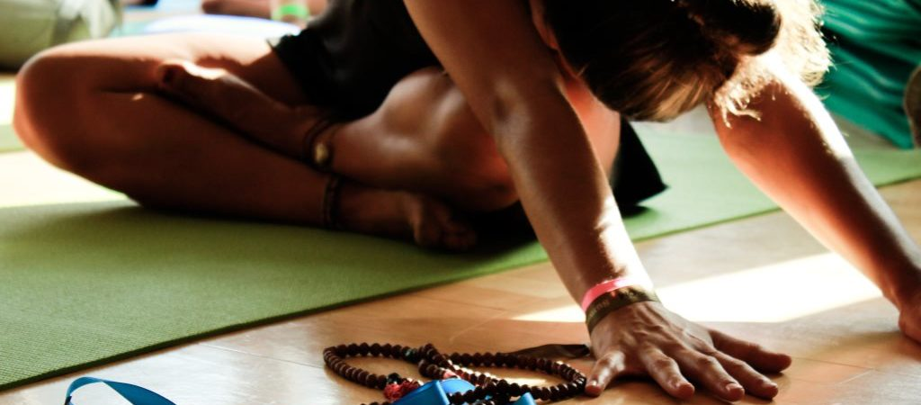 Yogafestival-Summer-of-Love-Stress-Auszeit-Yoga-Stefan-Geisse-23-1024x450.jpg