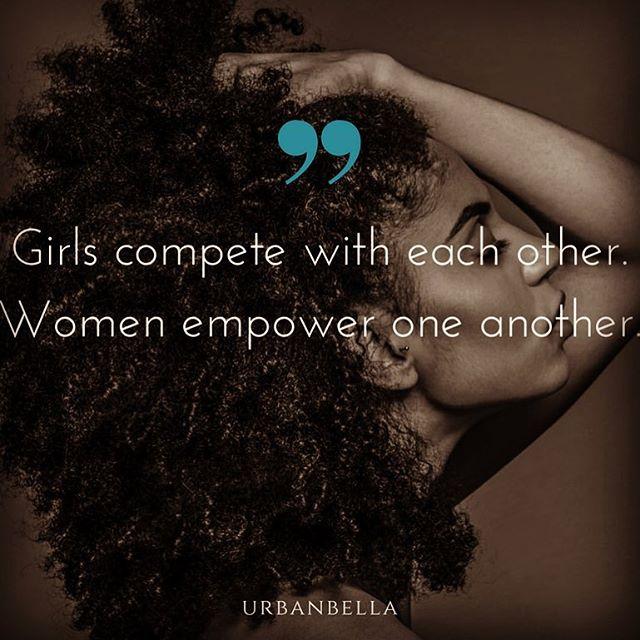 Happy Monday 💆🏻♀️ . . . #weddinghair #bridalmakeup #glamsquad #weddinghair #bridalmakeup #empoweringwomen #empoweredwomen #empoweringquotes #beaqueen