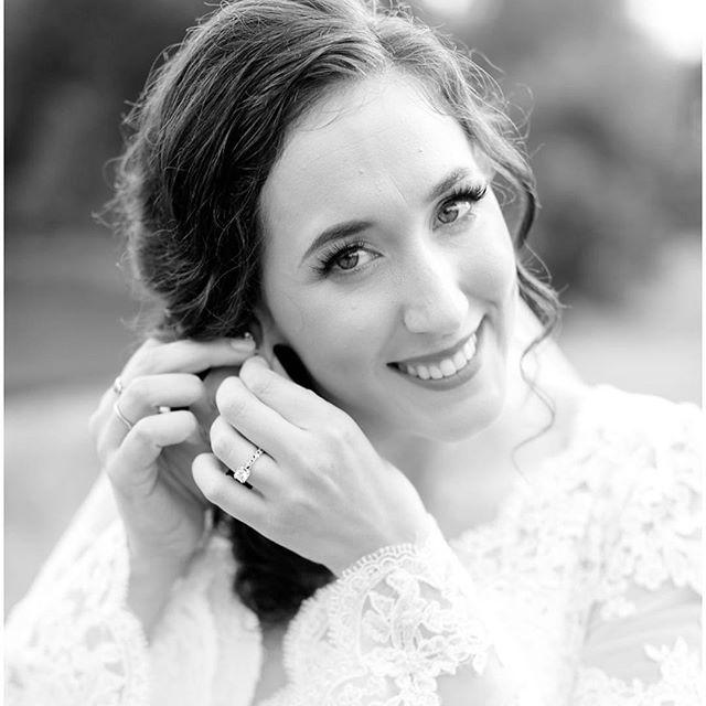 Look at this natural beauty! . . . . #weddinghair #bridalmakeup #glamsquad #bridalhair #bridalhairandmakeup #bridalhairstyles #halfuphalfdown #halfuphalfdownhairstyle #entyrelashes #minklashes #weddingmakeup #bostonweddings