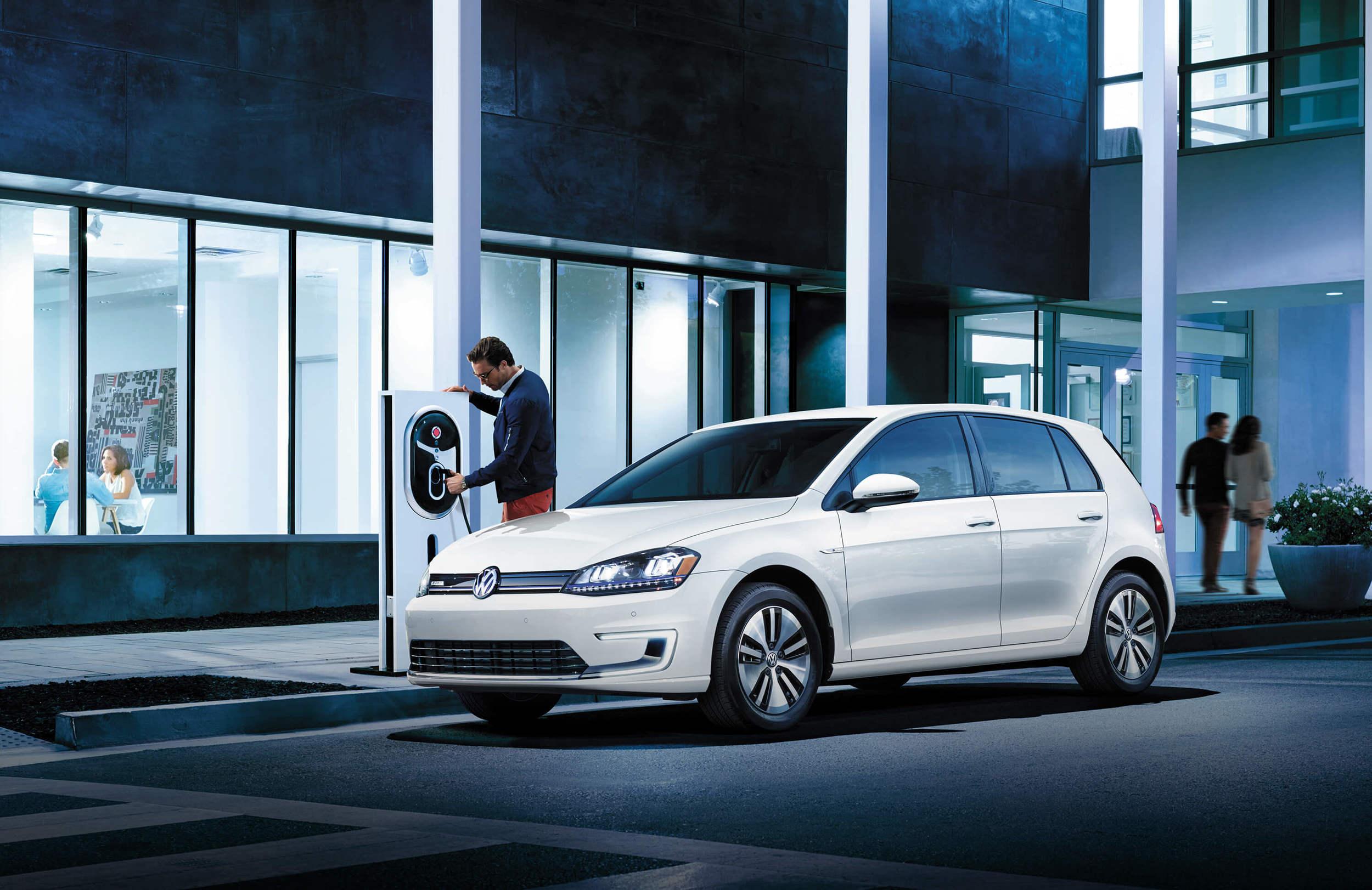 2016 Volkswagen e-Golf SEL (source: vw.com)