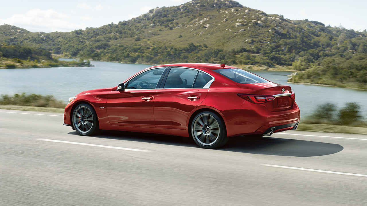 For what it lacks in finesse, Q50 3.0t makes up for in power. Three-hundred horses, to be exact. More if you go with the RED SPORT 400 pictured here! (source: infinitinews.com)