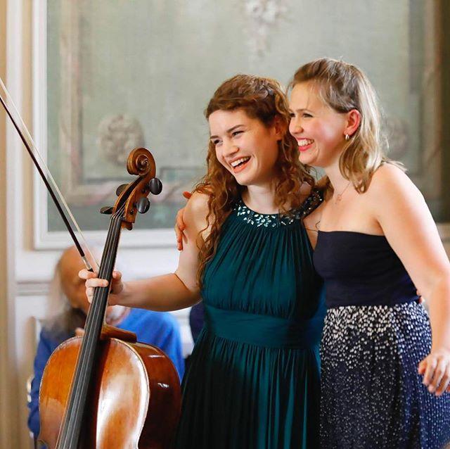 💽 Julia and Annika have a new album #Brahms check it out ! #annikatreutler #juliahagen #ivrygitlis #festivalhommagemenuhin #dreamteam #postconcert #joy #music #happiness #smile #duo #beautiful #memory #lastyear #supriseguest #villedavray #concert #chambermusic #musiquedechambre #iledefrance #piano #violoncelle #festival #chateau photo @ingesonradio