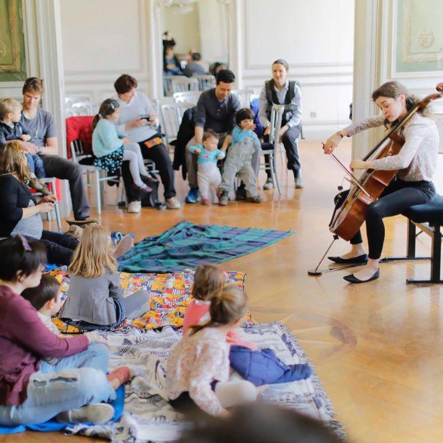 Thinking the concerts differently #concert #children #baby #babyconcert #musicforall #artsforall #cello #music #anastasiakobekina #piano #reachingout #musique #iledefrance#villedavray #hommage #yehudimenuhin #festival #eveil #musical #eveilmusical #petit #grand #oreilles (c) @ingesonradio