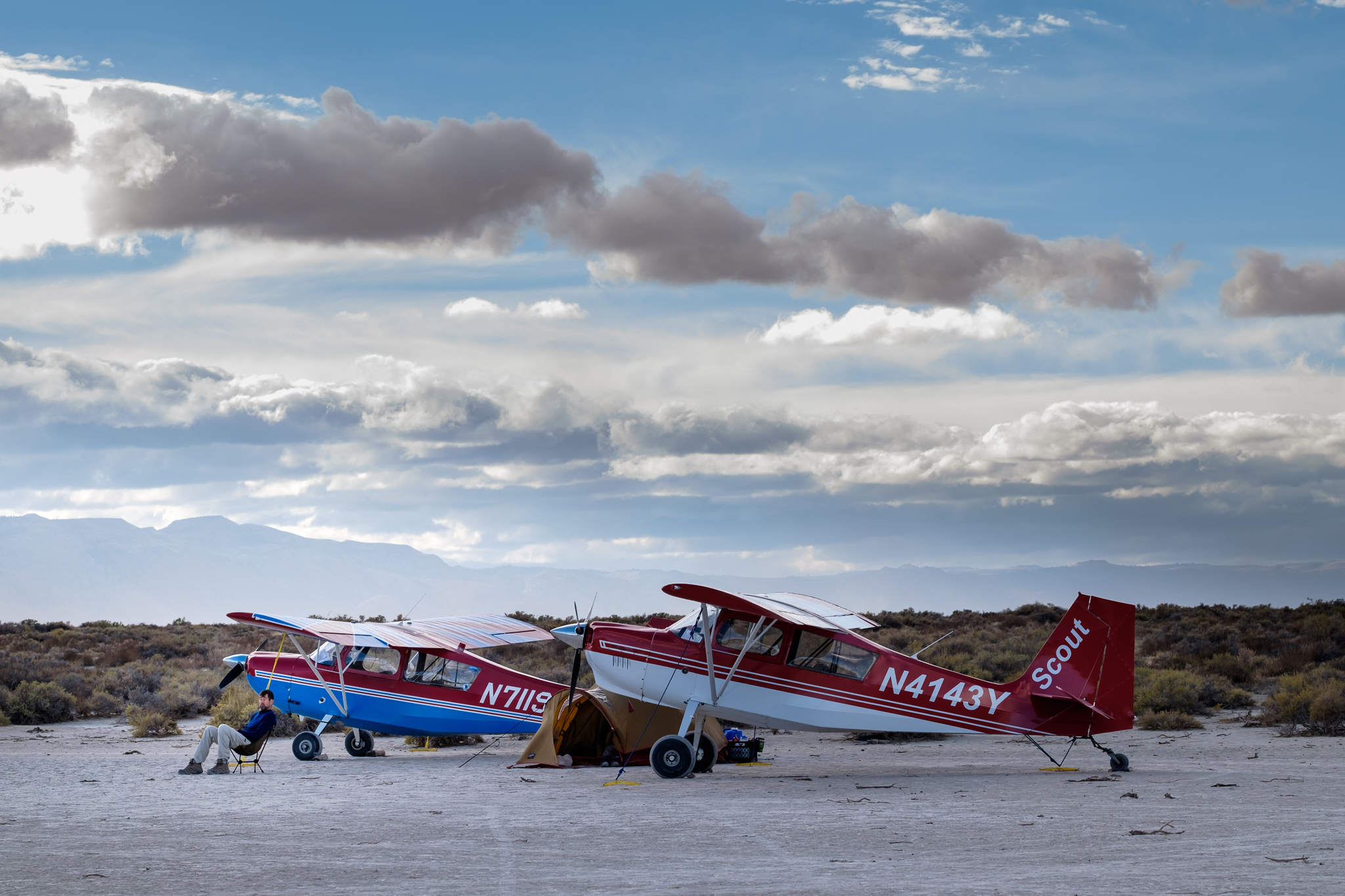 Taildraggers and tents on the playa