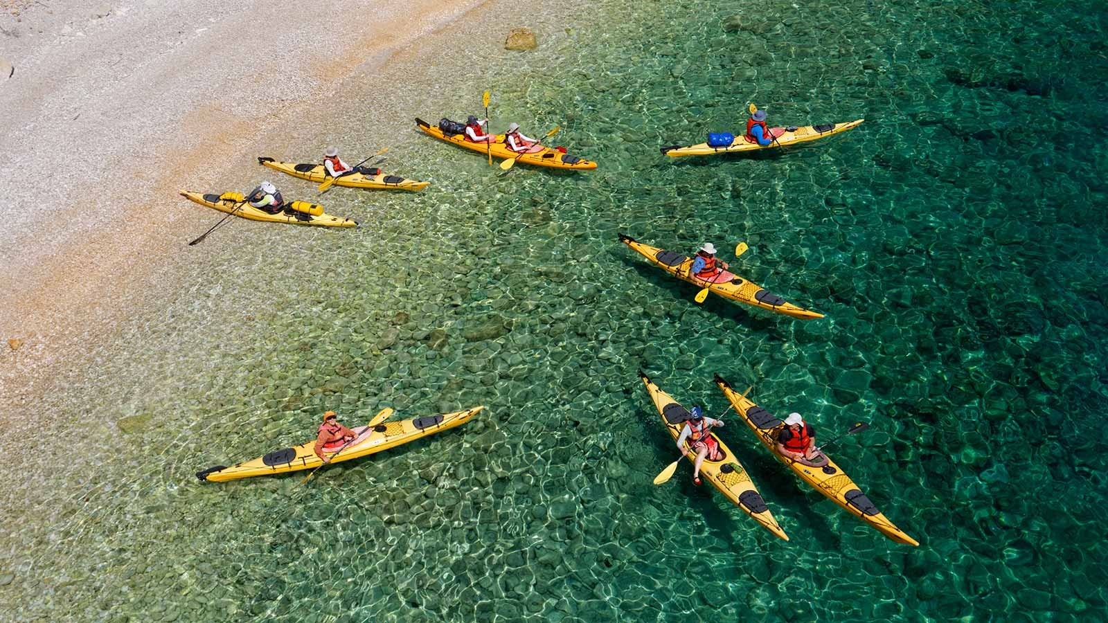 kayak-canoe_1600x900_goran-safarek.jpg