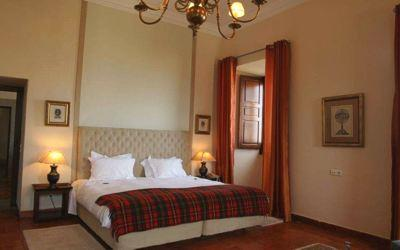 pousada-palmela-bedroom.jpg