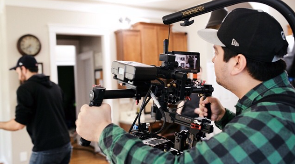 Bernardo keeping his Ronin framed up with the Small HD DP4.
