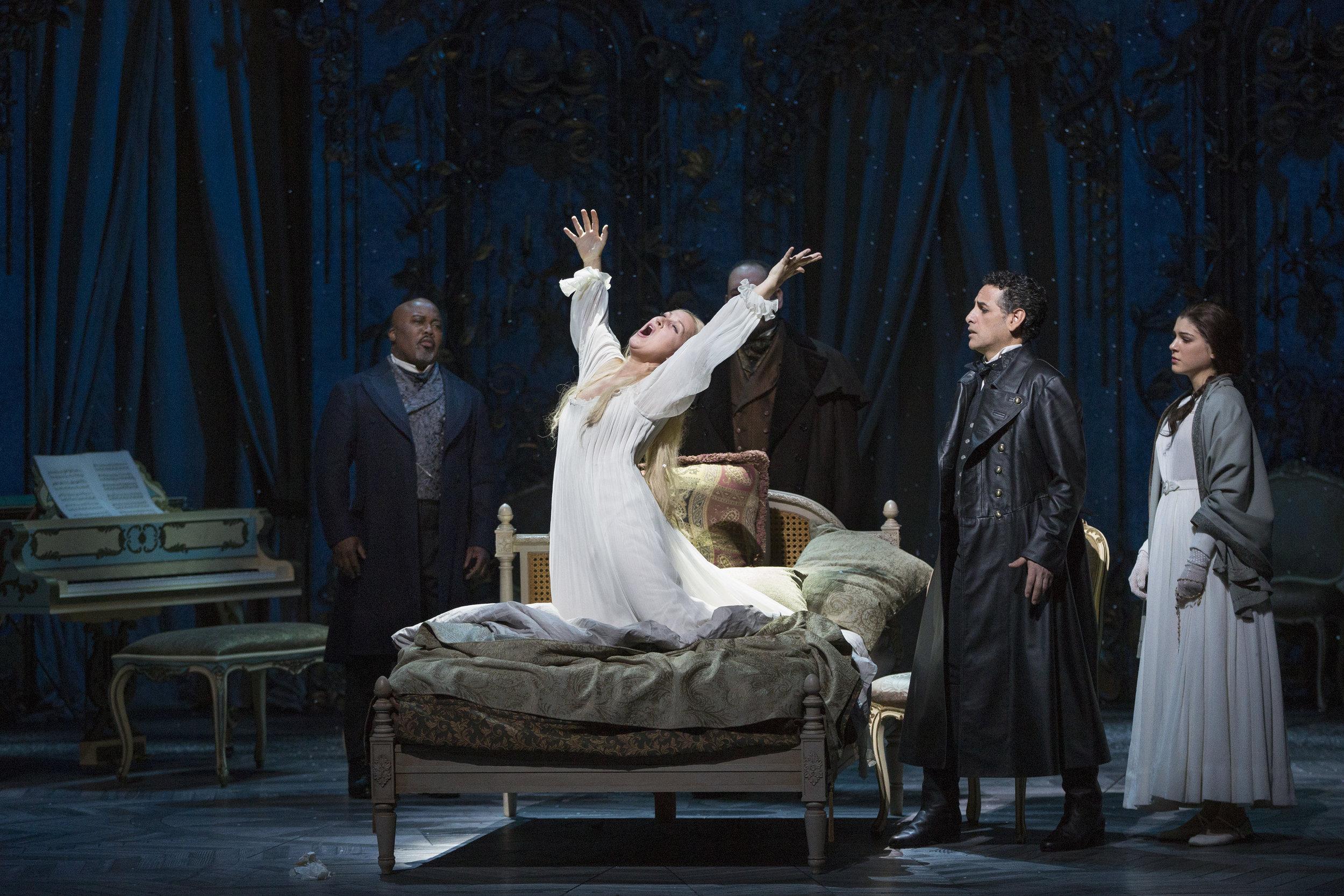 La Traviata - Photo: Marty Sohl/ Met Opera