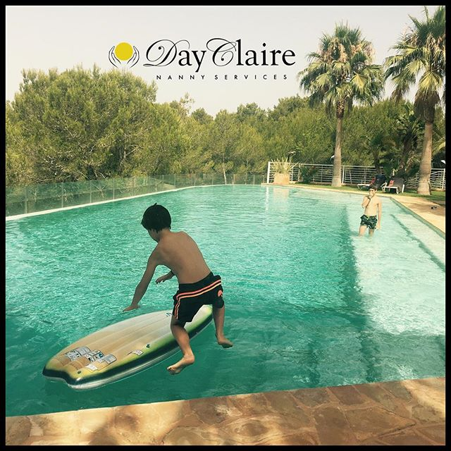 DayClaire entertains all ages! We can be sweet and caring for the little ones ánd sporty and playful for the bigger kids 🤸🏻‍♀️🏄🏽‍♀️☀️
