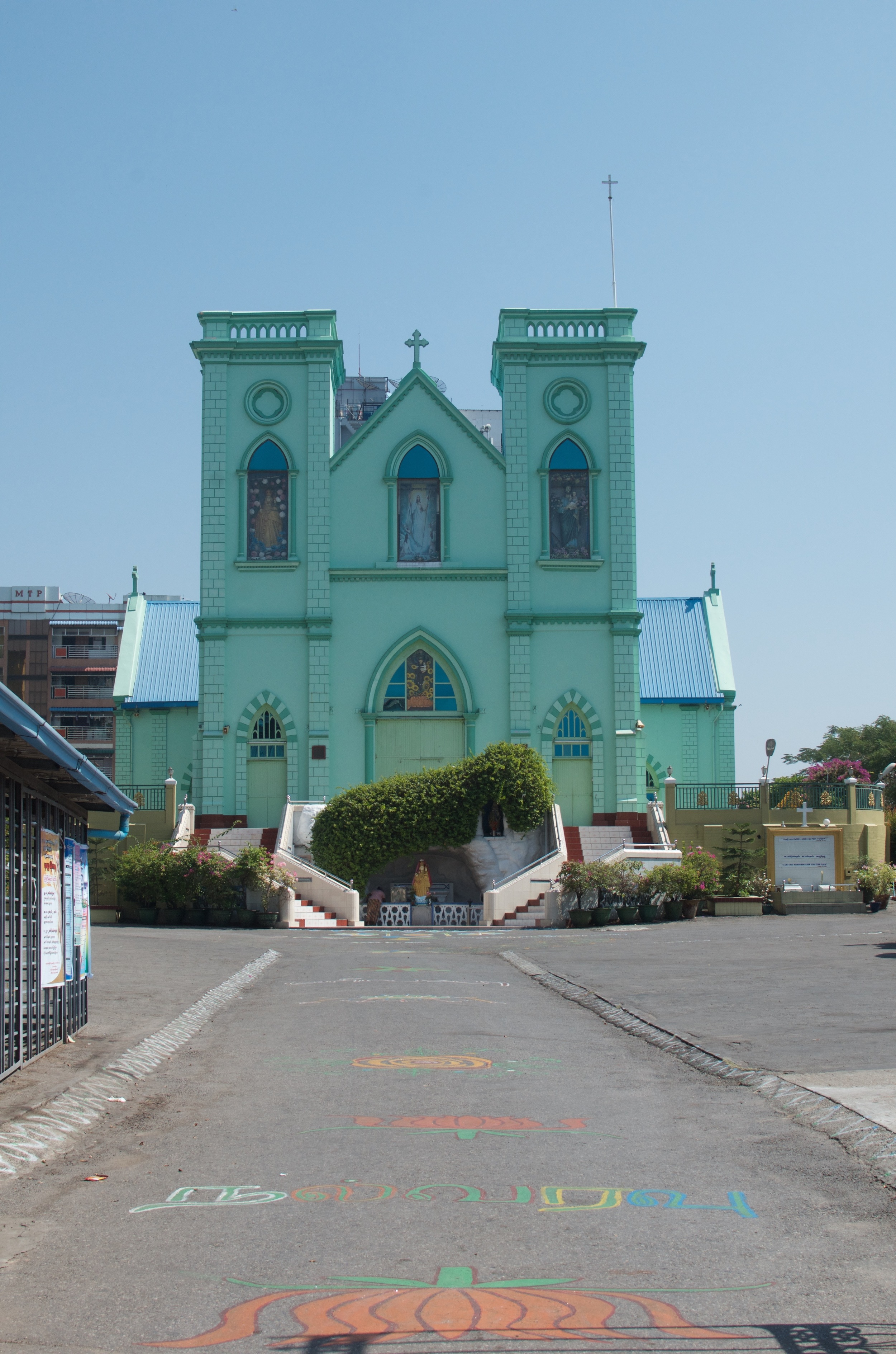 A Catholic church (and a large one at that) is an unusual sight in Burma indeed.