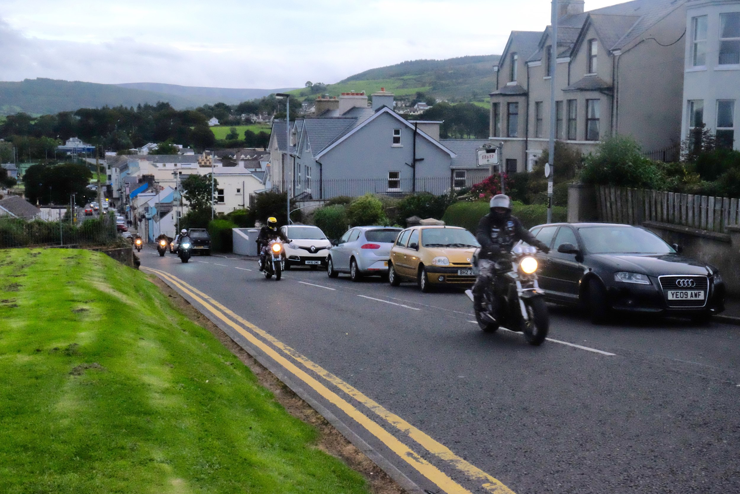 Random twilight motorcade up North Road.